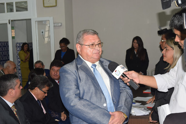Photo of Empresários e delegado Almir Macedo recebem título de cidadão Ludovicense
