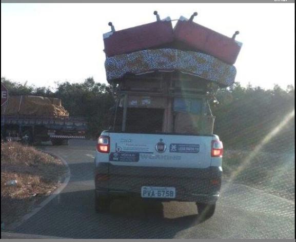 Photo of CEMAR: Veículo da Estatal sendo usado para fazer mudança na baixada