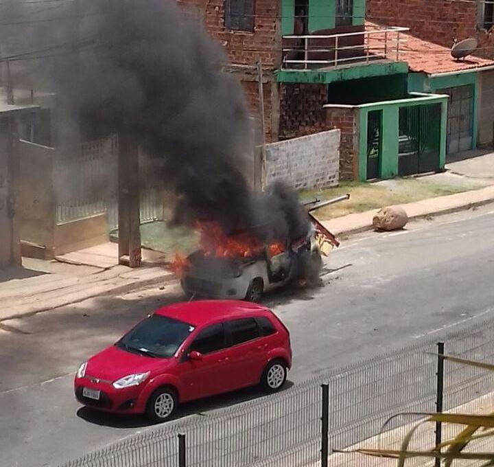 Photo of Queima de carros voltam a ocorrer na Capital Maranhense