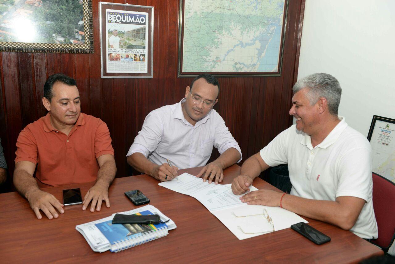 Foto de Prefeito Zé Martins apresenta novo secretário de Assistência Social de Bequimão