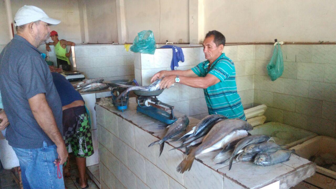 Photo of Feirantes de Bequimão são remanejados para o Mercado do Peixe
