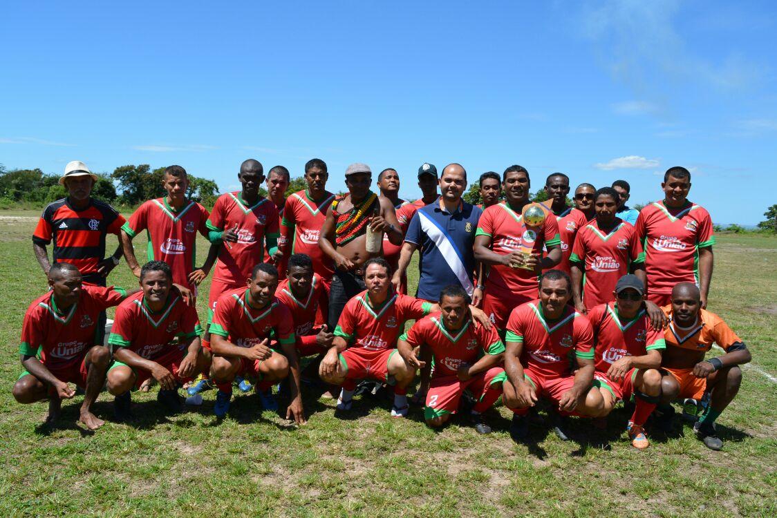Photo of Cosmo levanta a I Taça Cidade de Alcântara de Futebol Máster