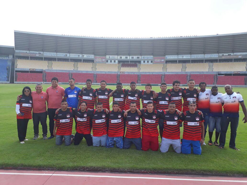 Photo of Fátima Araújo acompanha atletas da Associação de Surdos do Maranhão no embarque rumo a Liga Nordestina de Futebol