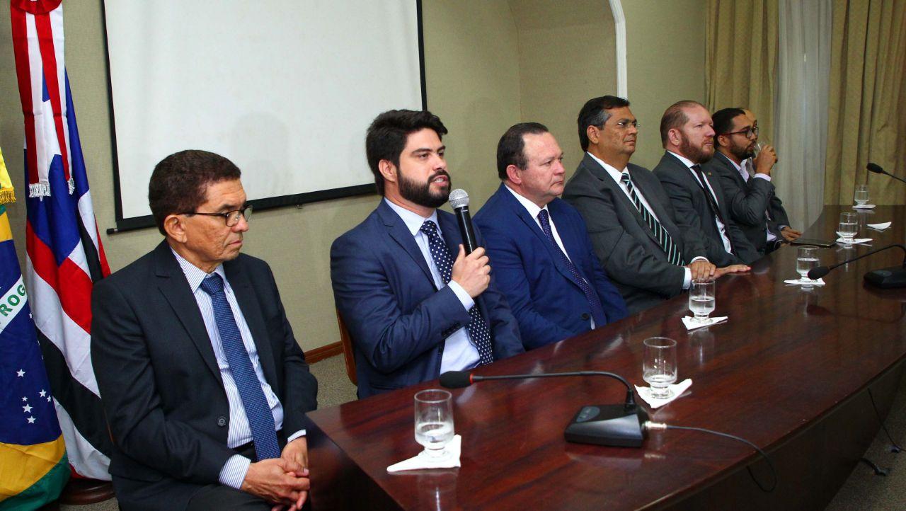 Photo of Flávio Dino empossa novos auxiliares na Caema, Secti e IEMA