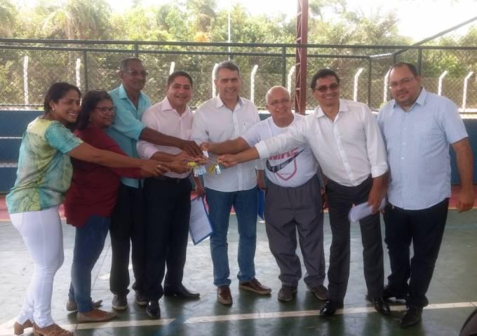 Photo of Zé Inácio participa da entrega de quadra poliesportiva