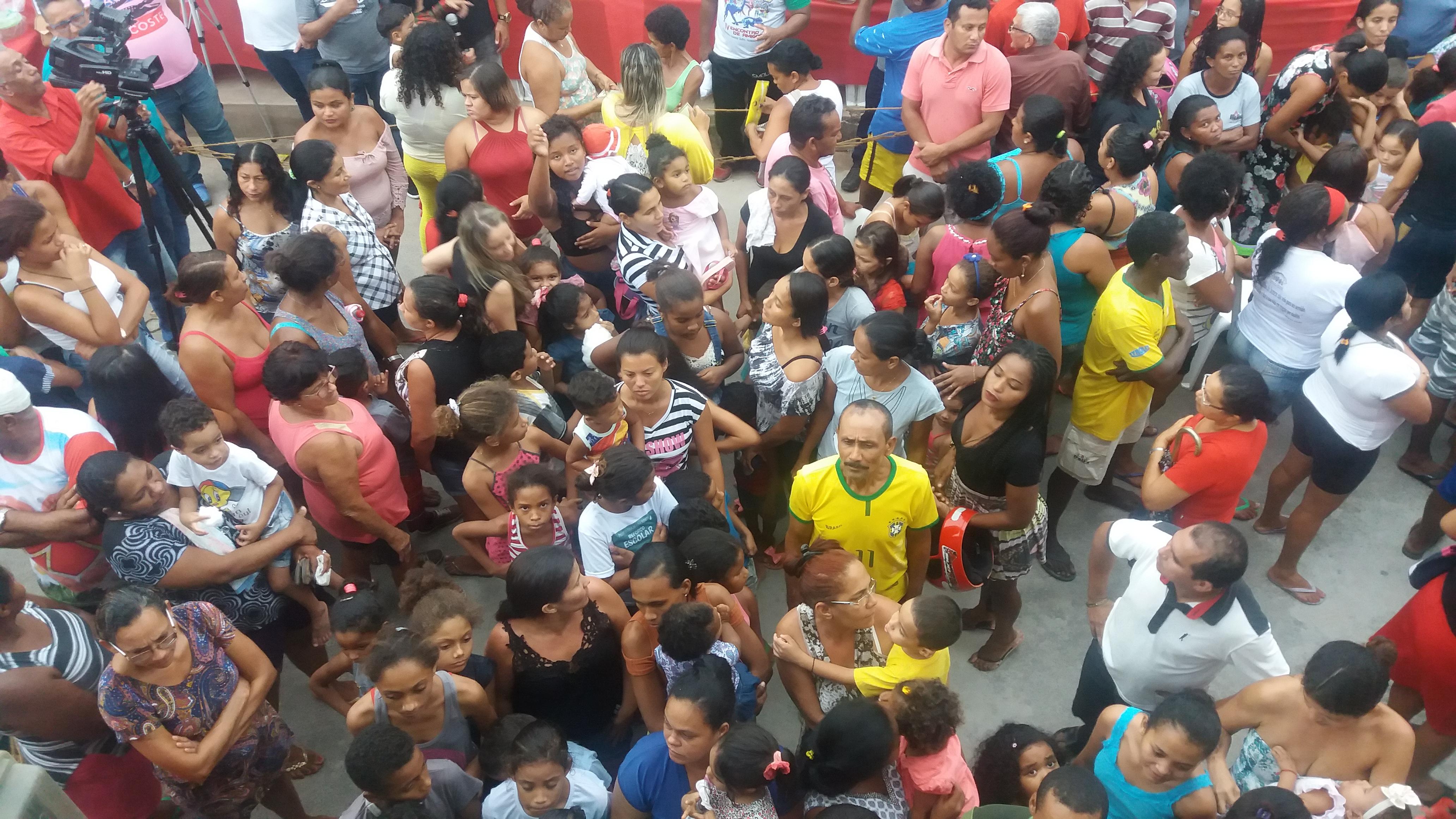 Photo of Fátima Araújo reúne milhares de pessoas em tarde de centenas de sorteios na 24ª edição do Natal Solidário no João de Deus