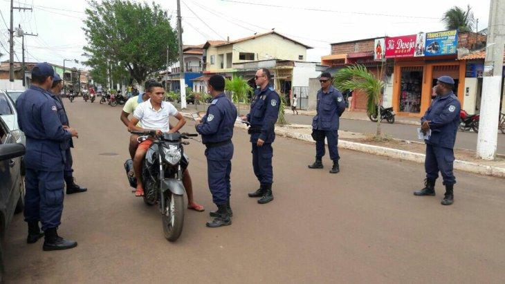 Foto de Guarda Municipal e Polícia Militar iniciam ação educativa no trânsito da cidade de Bequimão