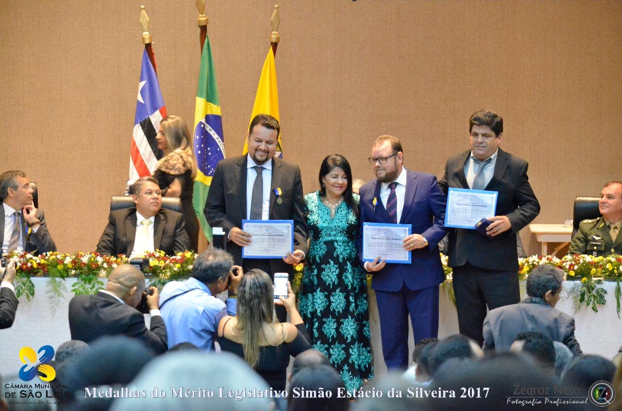 Photo of Fátima Araújo entrega Medalha Simão Estácio da Silveira para três personalidades do Maranhão