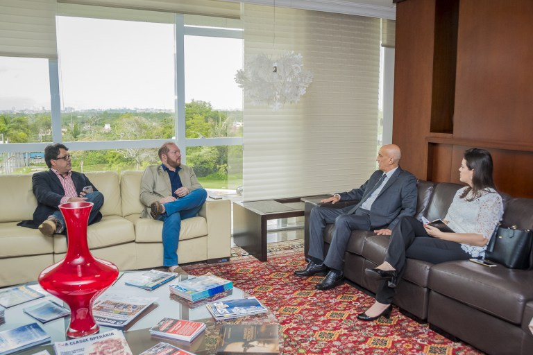 Photo of Othelino Neto recebe a visita do corregedor-geral de Justiça do Estado