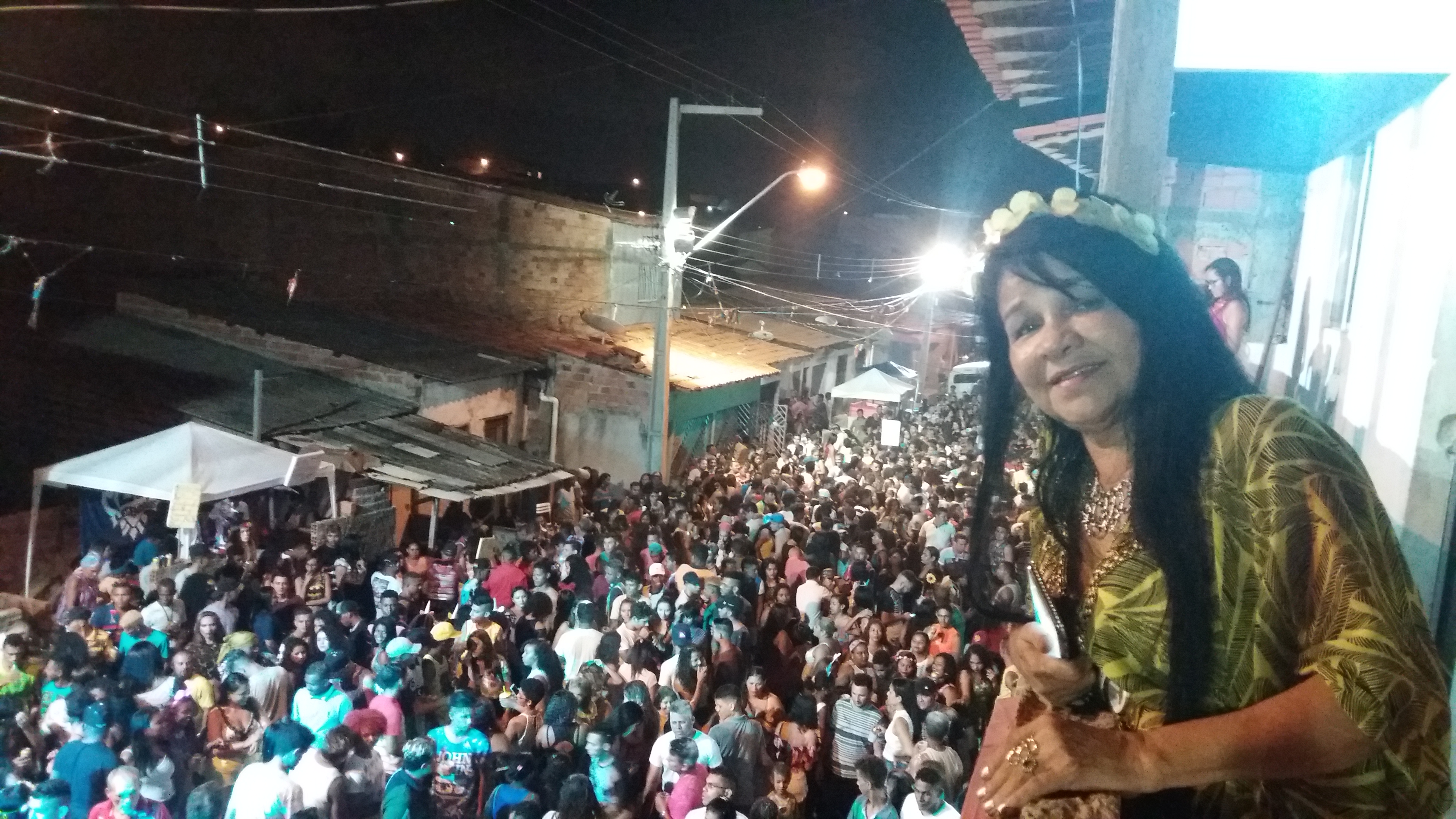 Photo of Bicho Terra invade a Vila Conceição e bota todo mundo para dançar