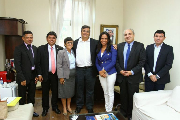 Photo of Flávio Dino e prefeita Rosinha discutem novos investimentos para Cururupu
