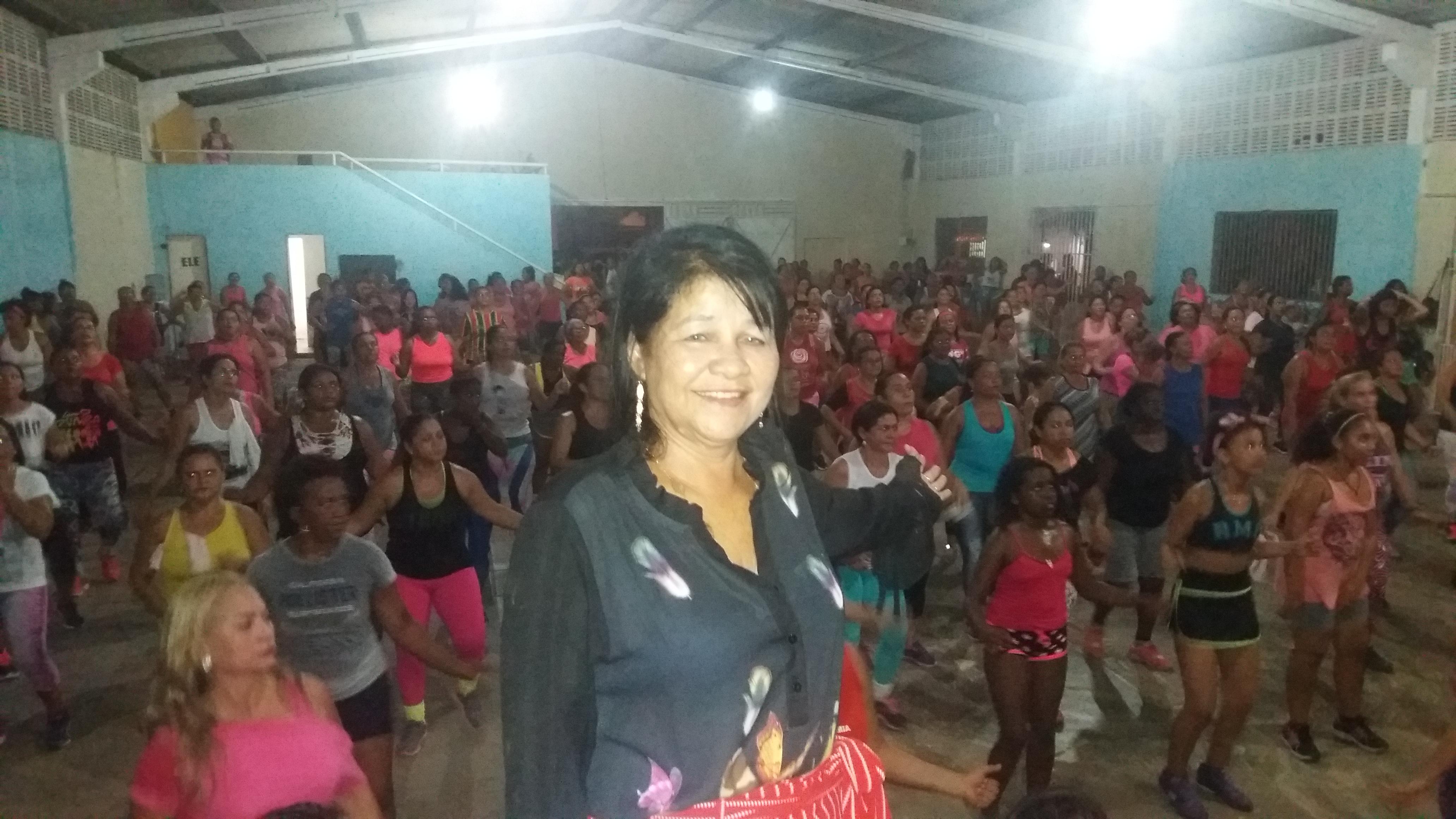 Photo of Projeto Viva Mais Saúde comemora Dia Internacional da Mulher com bolo, refrigerante, Zumba e distribuição de lembrancinhas