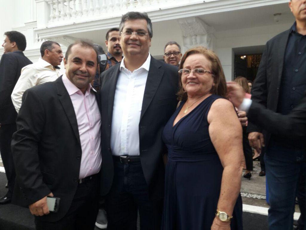 """Photo of Sidney Pereira assina termo de adesão ao programa """"Ensinar"""""""