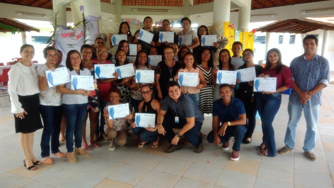 Photo of Participantes do curso de formação de facilitadores de metodologia para Jovens Empreendedores receberam certificados em Bequimão