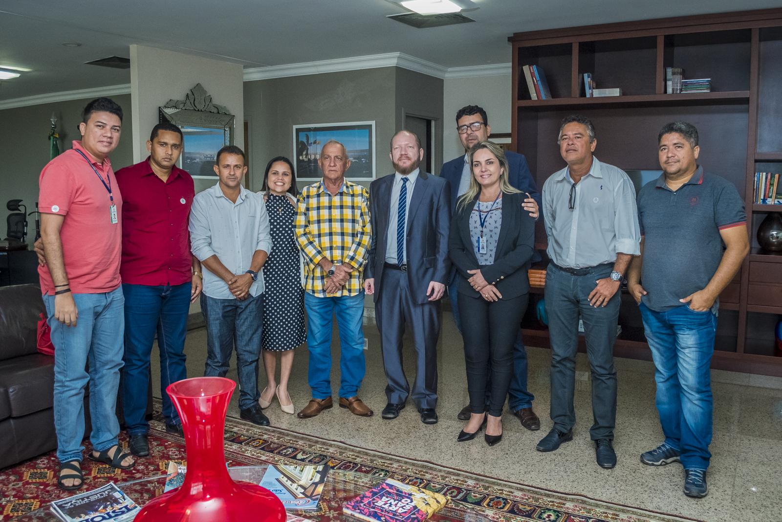 Photo of Presidente da Assembleia Legislativa recebe lideranças do município de Grajaú