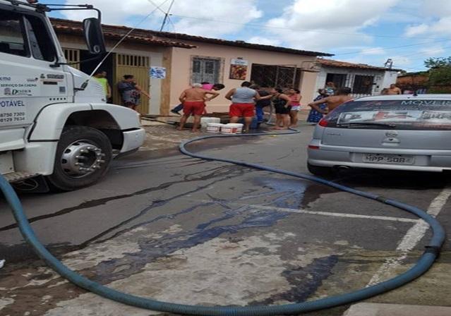 """Photo of Vereadora Fátima Araújo esclarece o """"factóide""""criado pela oposição sobre distribuição de água pela Caema"""