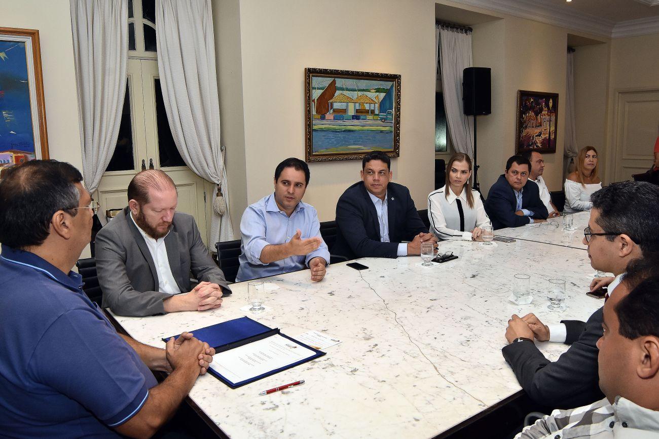 Photo of Prefeito Edivaldo e governador Flávio Dino assinam ordem de serviço para obras no Socorrão II