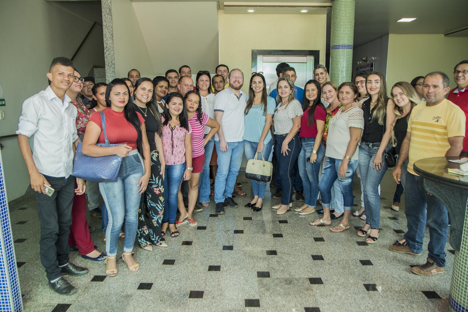 Photo of Othelino Neto vistoria obras do Hospital Frei Alberto Beretta em Sítio Novo-MA