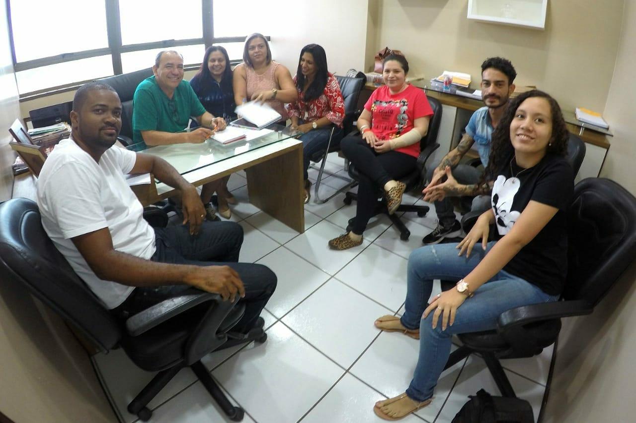 Photo of Genival Alves reúne sua equipe para receber carreta da Saúde