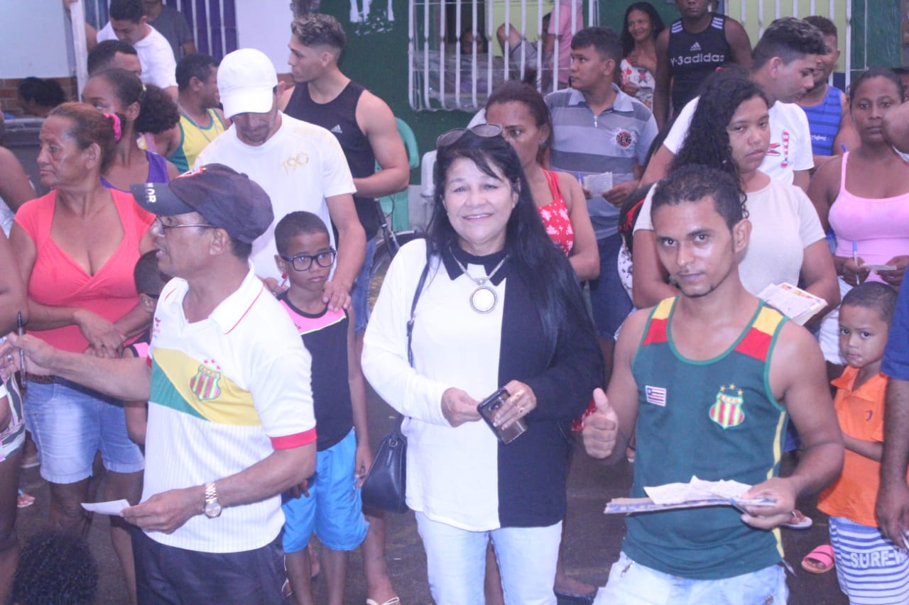 Photo of Vereadora Fátima Araújo participa de bingo beneficente no Residencial João Alberto