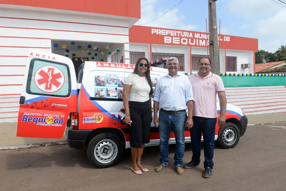 Photo of Prefeito Zé Martins entrega Ambulância para população