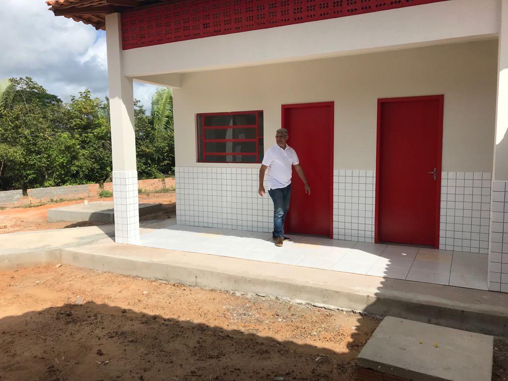 Photo of Prefeito Zé Martins vistoria construção de escolas na zona rural de Bequimão-MA
