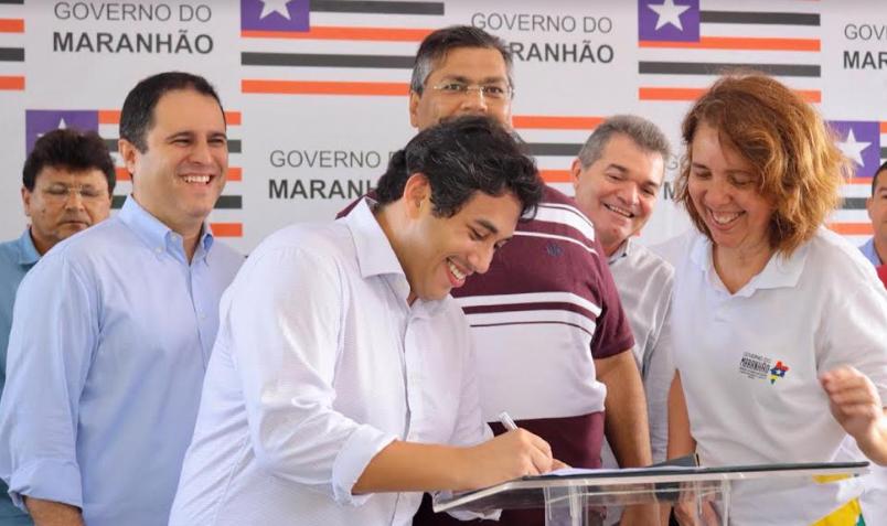 Photo of Osmar Filho participa de assinatura de obra de urbanização da Ilhinha