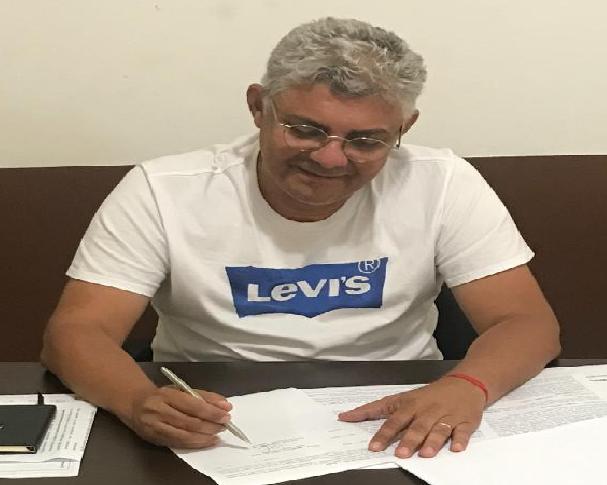 Photo of Prefeito Zé Martins assina mais três convênios de mais de R$1,3 milhão de reais para Bequimão-MA