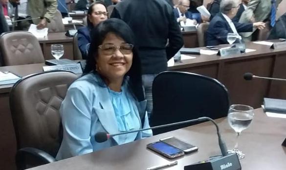 Photo of Fátima Araújo cobra da gestão municipal pagamento das emendas destinadas às secretarias