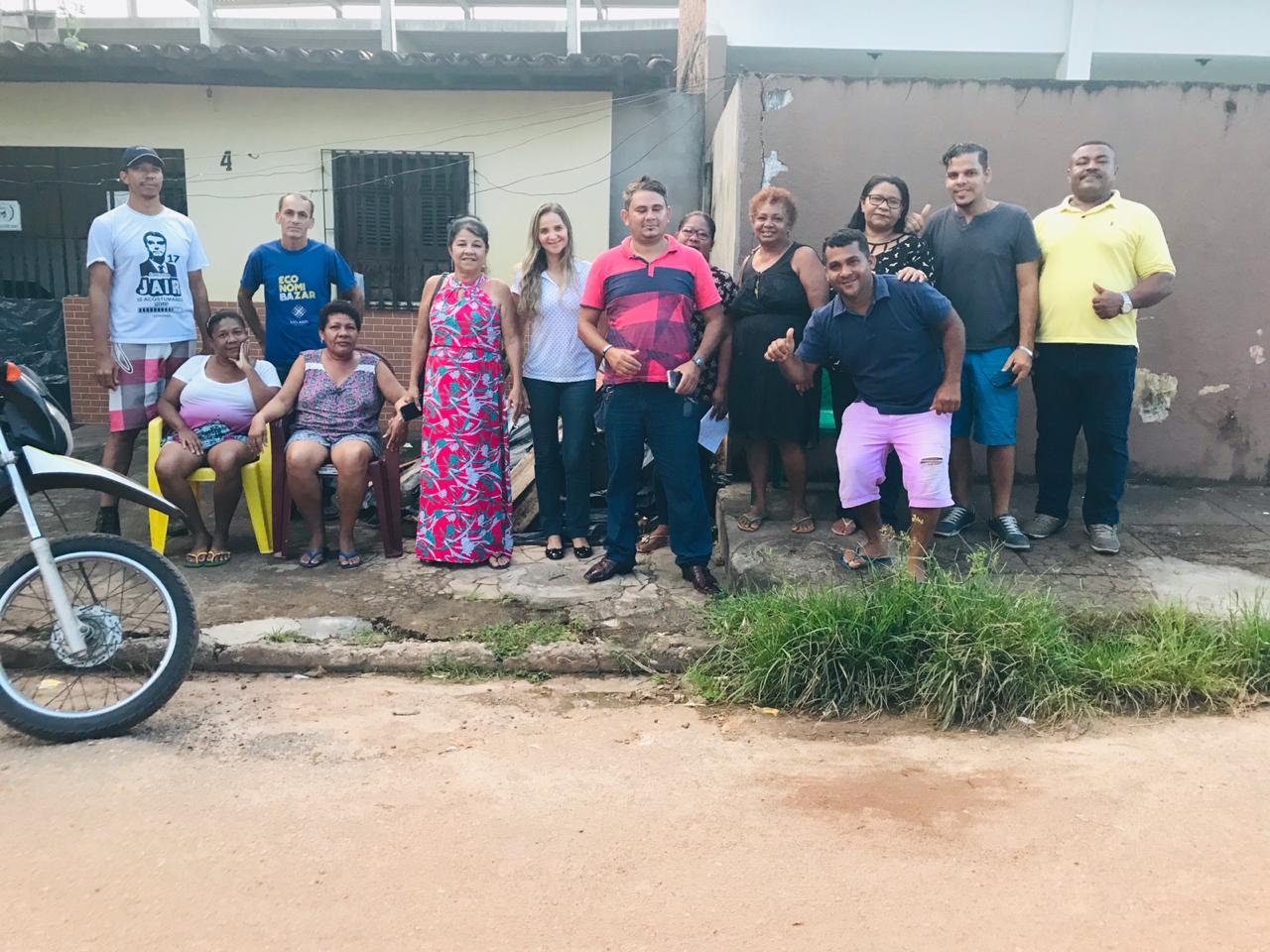 Photo of Vereadora Fátima Araújo visita ruas no bairro São Cristóvão