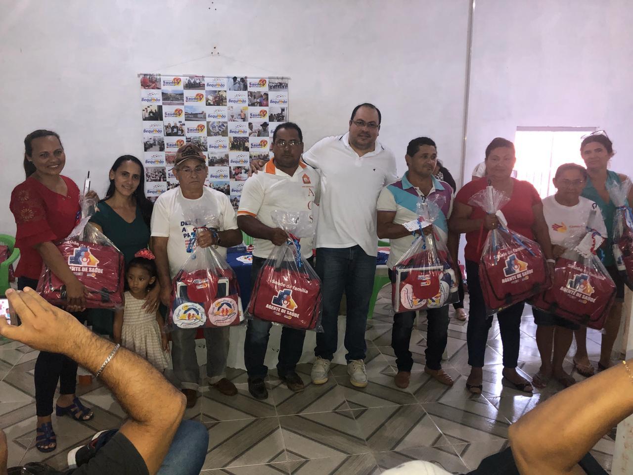 Photo of Prefeitura de Bequimão entrega kits com materiais e equipamentos para Agentes Comunitários de Saúde