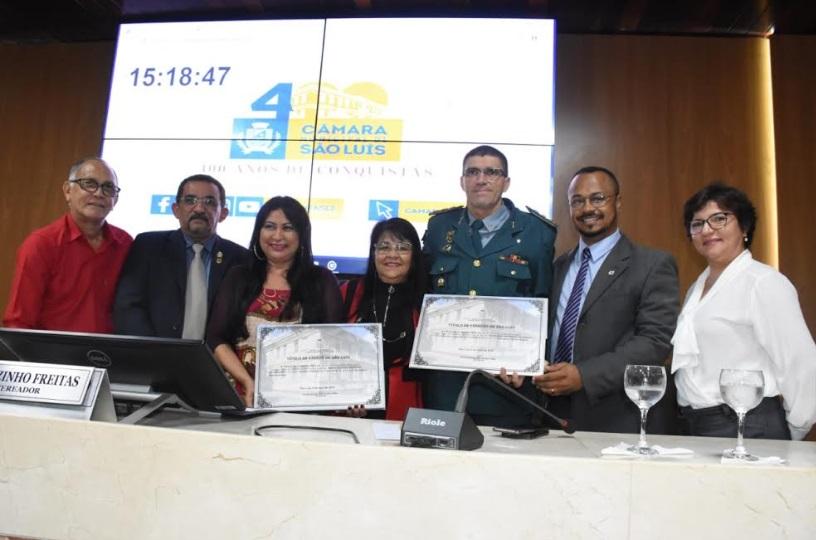 Photo of Vereadora Fátima Araújo entrega título de cidadão para Eugênia Miranda e Raimundo Andrade