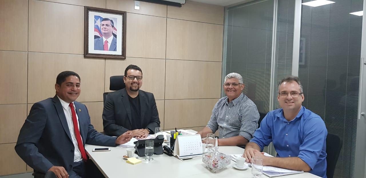 Photo of Prefeito de Bequimão se reúne com o secretário de Infraestrutura Clayton Noleto