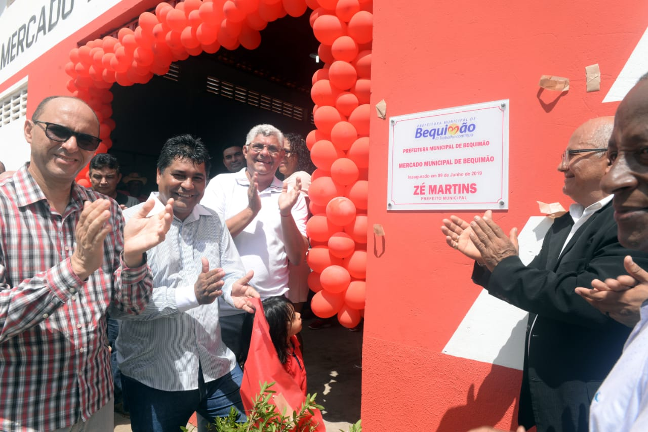 Photo of Prefeito Zé Martins inaugura Mercado Municipal em Bequimão e entrega aos feirantes
