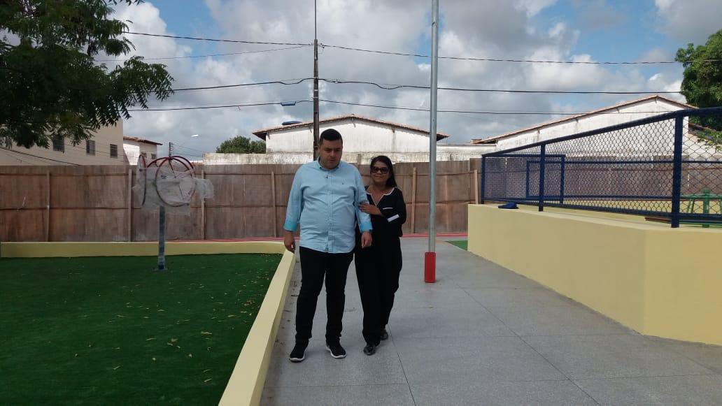 Photo of Flávio Dino vai inaugurar Quadra nesta sexta-feira (19) no bairro João de Deus, fruto de Indicação da vereadora Fátima Araújo