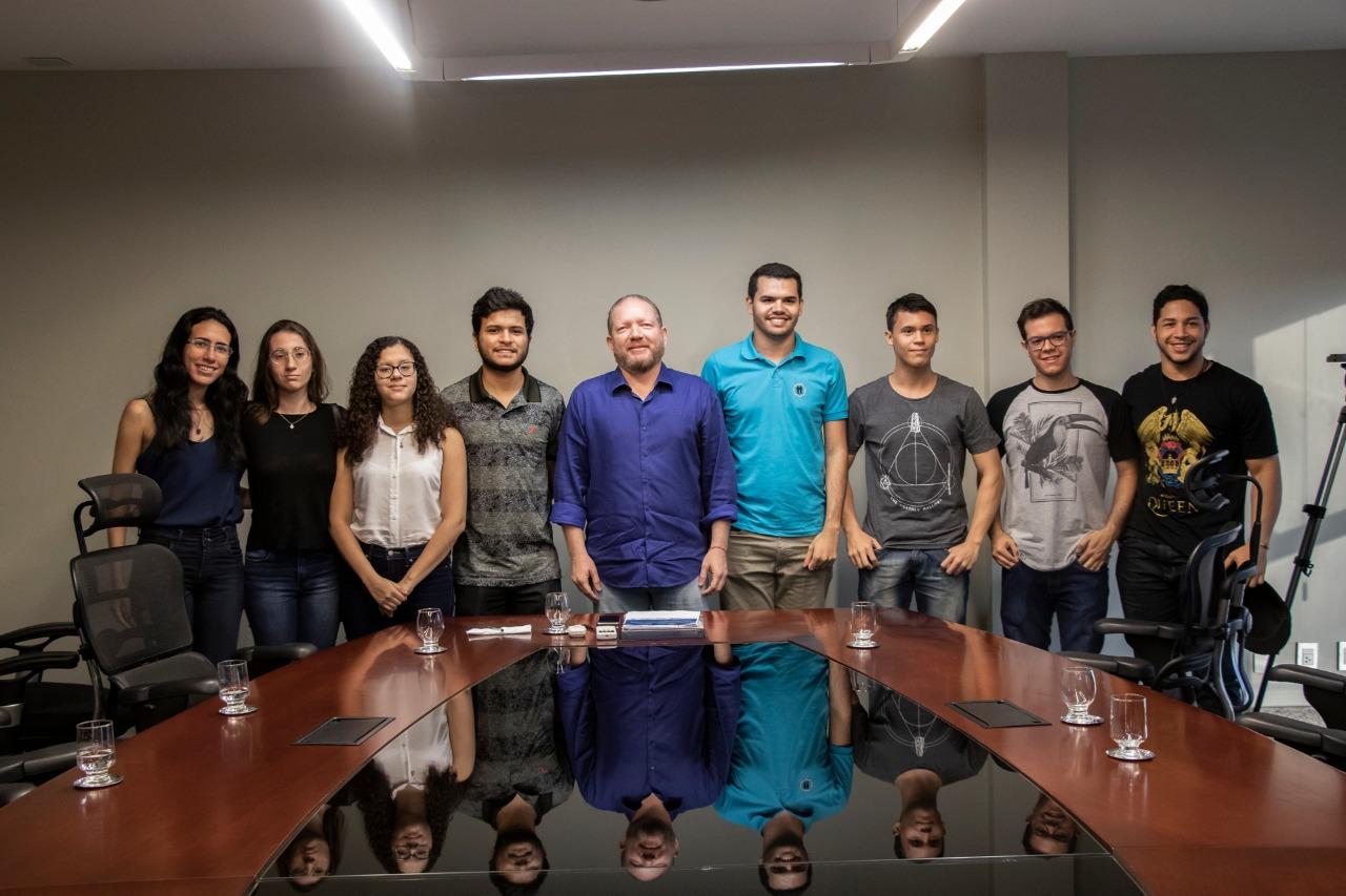 Photo of Othelino abre canal de diálogo com estudantes de Medicina da Uema