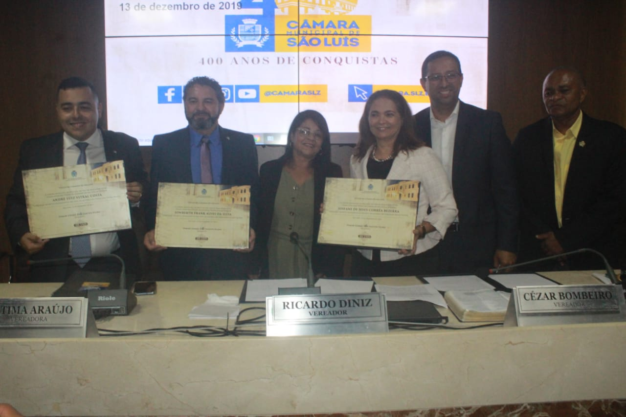 Photo of Vereadora Fátima Araújo entrega títulos de cidadão ludovicense a três autoridades