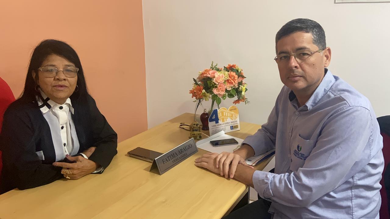 Photo of Fátima Araújo recebe diretor do Aldenora Bello em seu gabinete