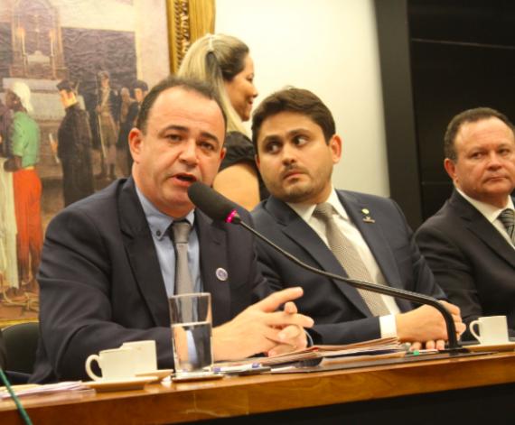 Photo of Famem reclama pela sanção imediata de projeto que garante recursos para conter o coronavírus e amenizar a crise financeira nos municípios