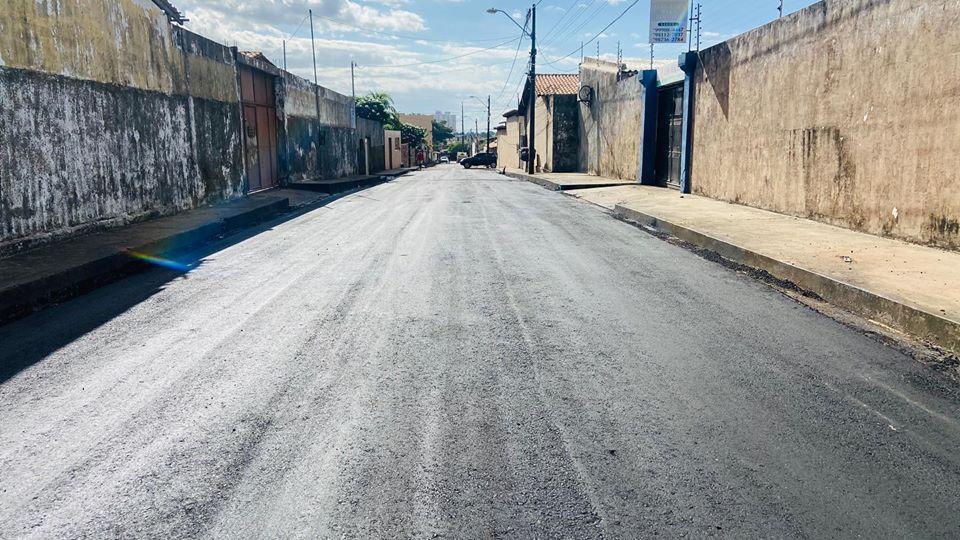 Photo of Ruas do bairro Pirapora continuam recebendo pavimentação asfáltica