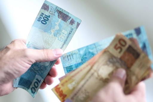 Photo of Prefeito Zé Martins inicia pagamento de servidores referente ao mês de maio nesta segunda (1º)