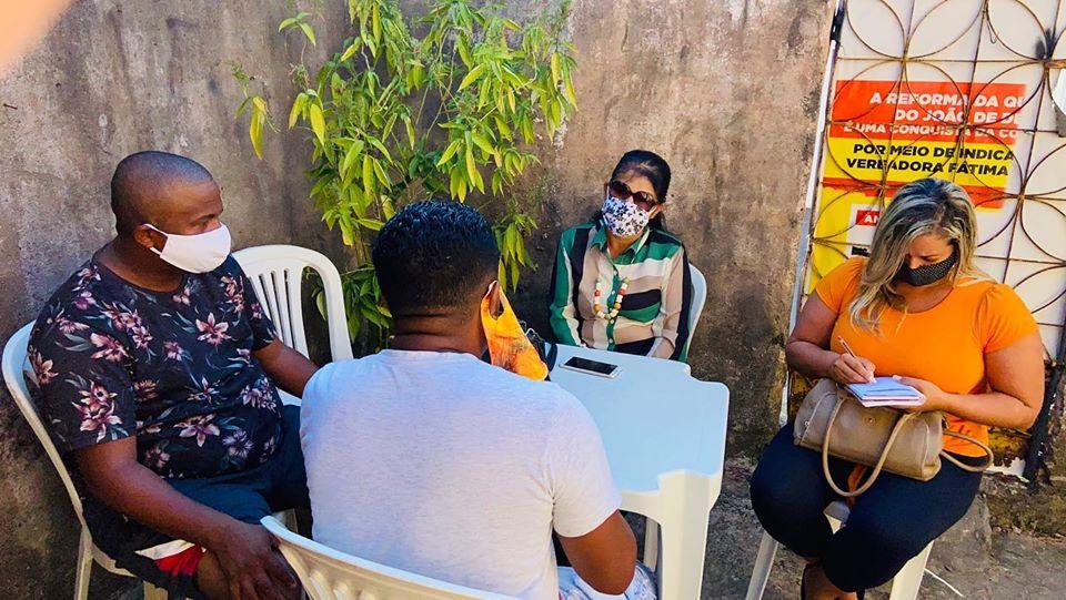 Photo of Vereadora Fátima Araújo se reúne com lideranças do bairro Sacavém em São Luís