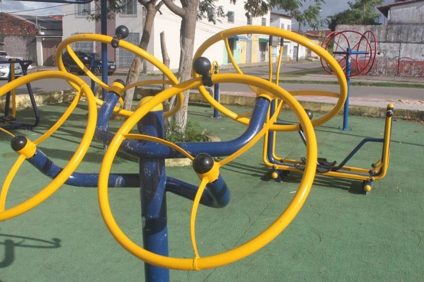 Photo of Fátima Araújo destina emenda e Prefeitura instala equipamentos na Praça da Juventude no bairro João de Deus