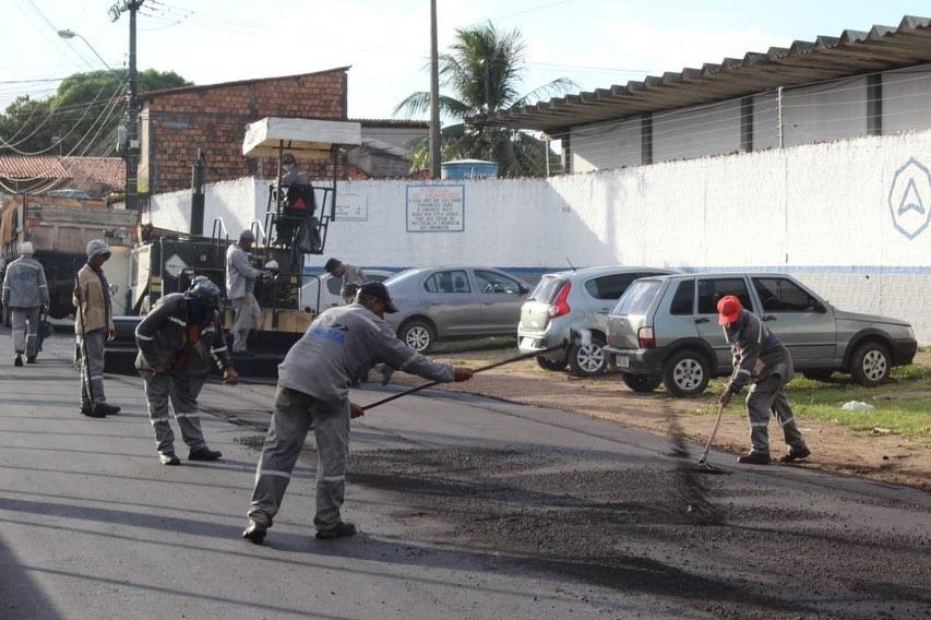 Photo of Ruas do bairro Santo Antônio continuam recebendo pavimentação asfáltica pela equipe da Semosp