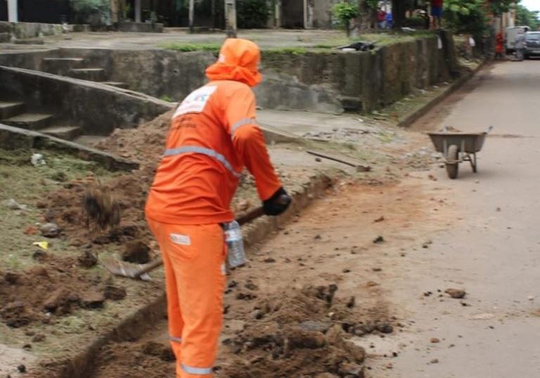 Photo of Equipe de limpeza Urbana do Comitê Gestor de São Luís realiza limpeza de ruas no bairro Santo Antônio