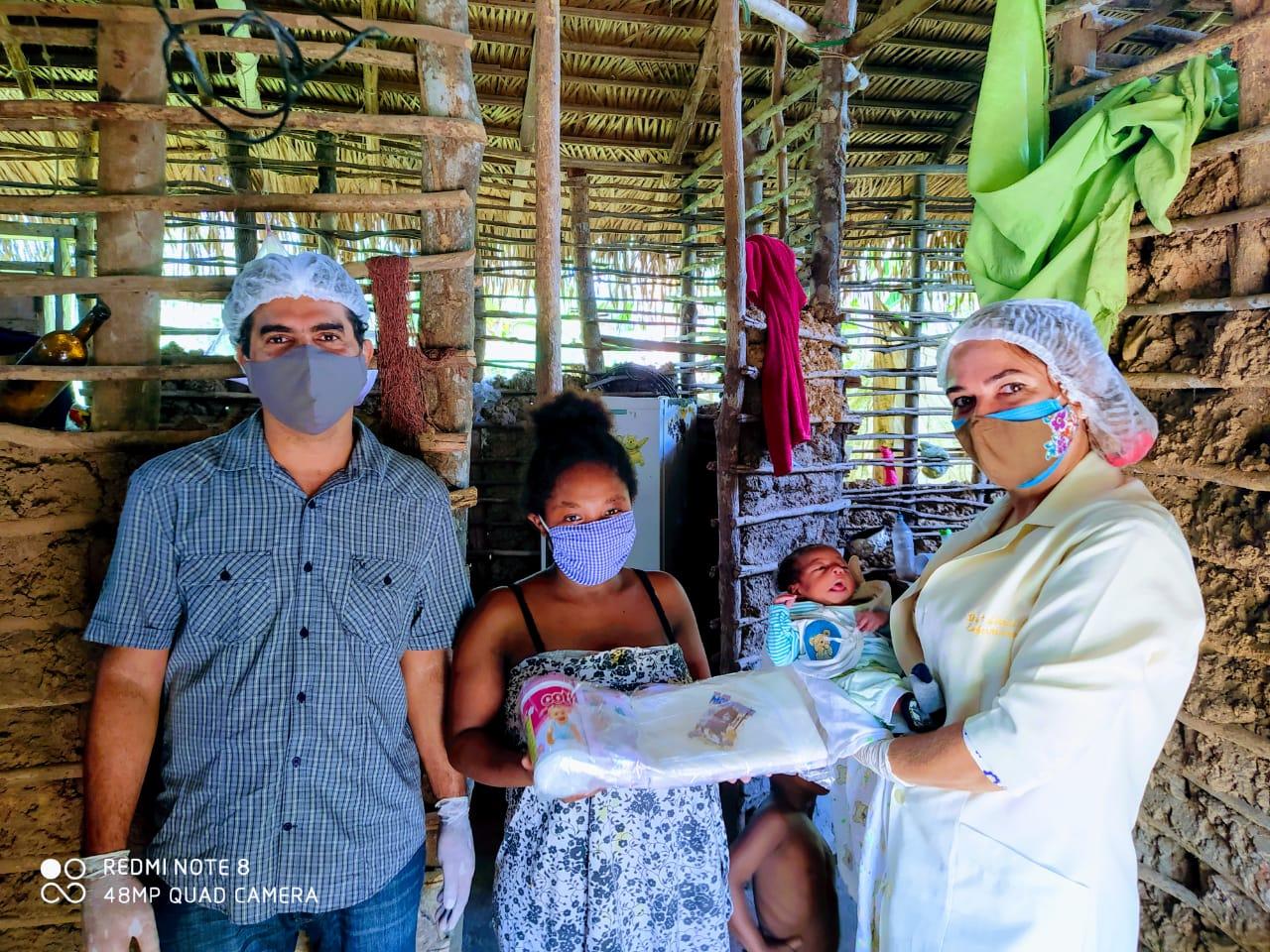 Photo of Prefeitura de Bequimão entrega 10 kits de recém nascidos para gestantes em comunidades quilombolas