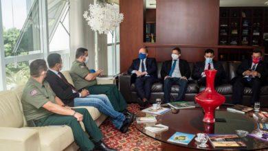 Photo of Othelino discute com representantes do sistema penitenciário projeto que cria Polícia Penal