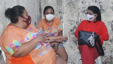 Photo of Fátima Araújo participa de reunião na sede do projeto Sorrir Faz Bem